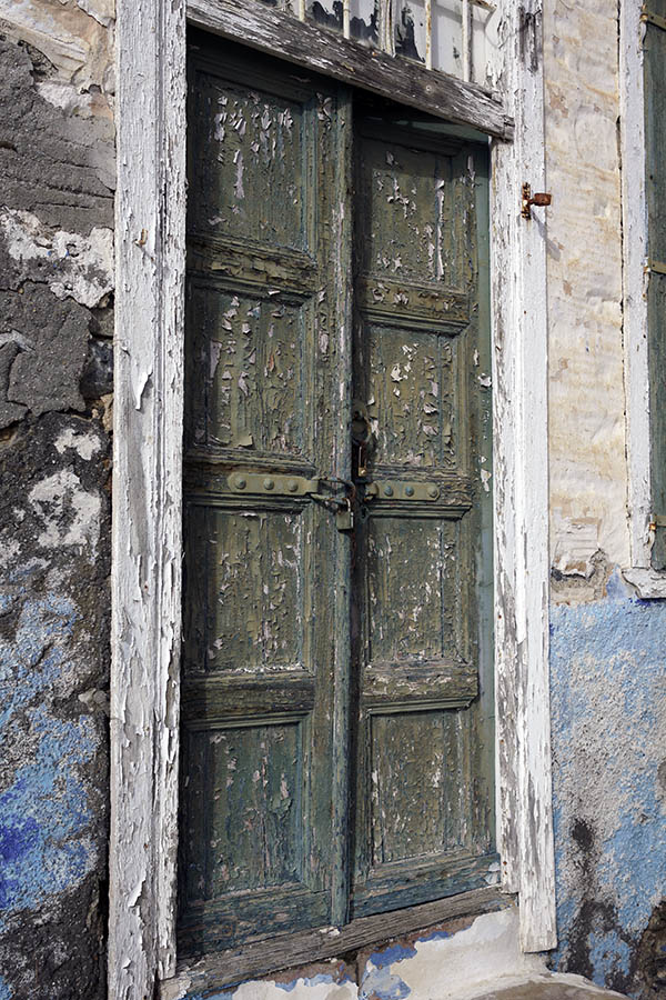 Photo 26771: Decayed, green, panelled double door